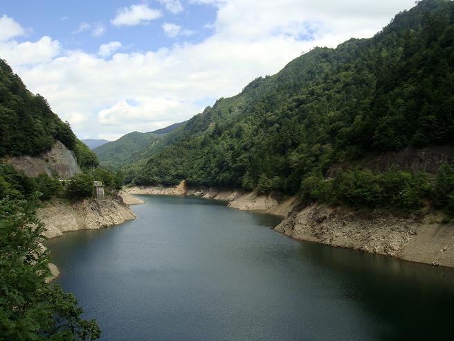 11 このへんにあるダムはどれも大きい.JPG