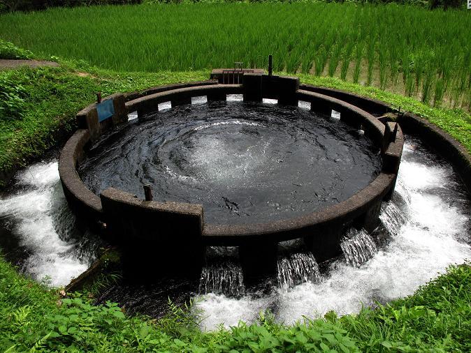 11 音無十二号井路円形分水.JPG