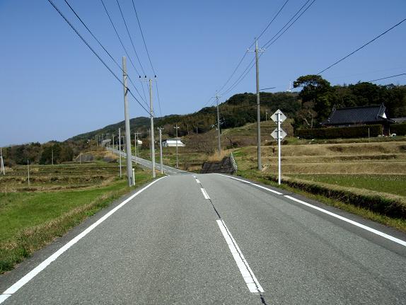 12 アップダウンな道でバイク向き.JPG
