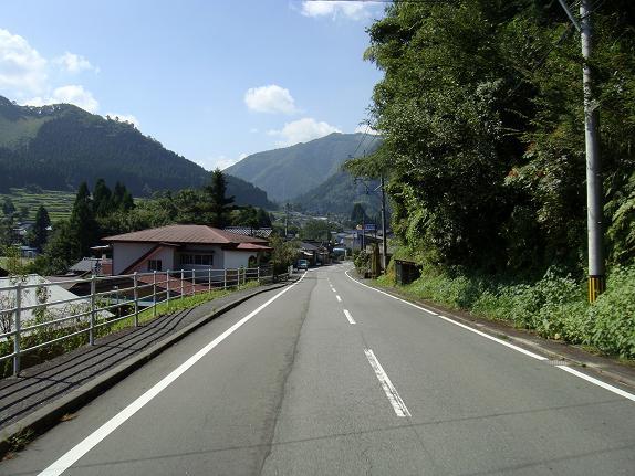 14 たまに小さな町を通過する.JPG
