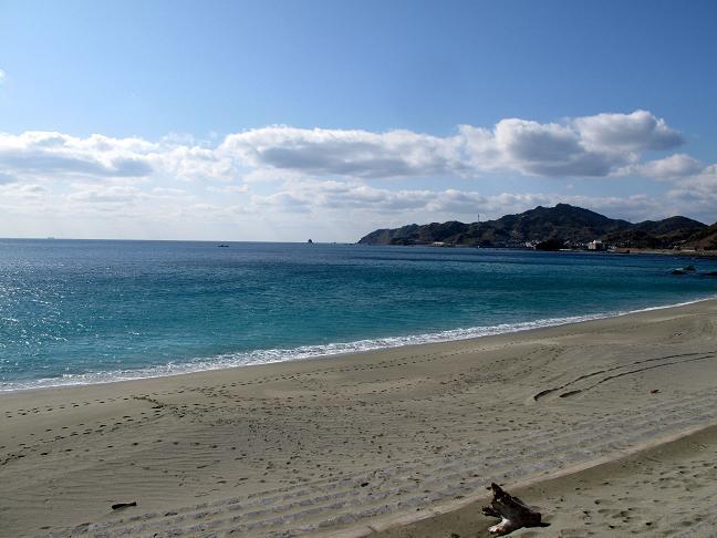 14 ザザビーの前のビーチ.JPG
