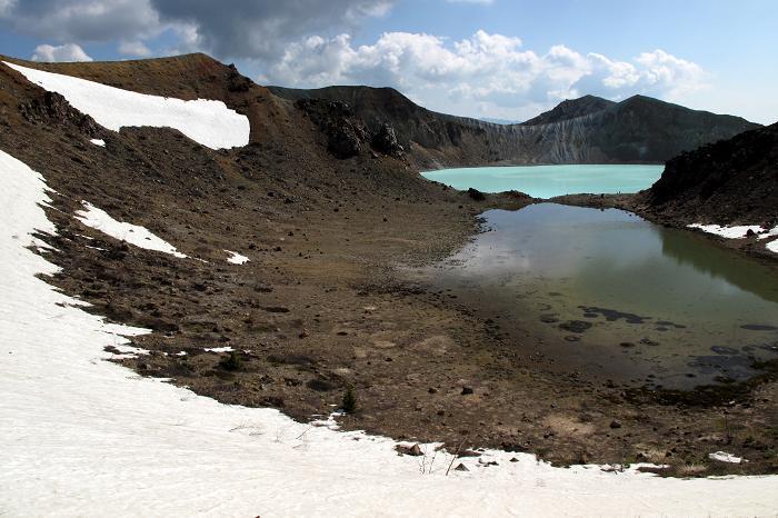 14 火山の火口です.JPG