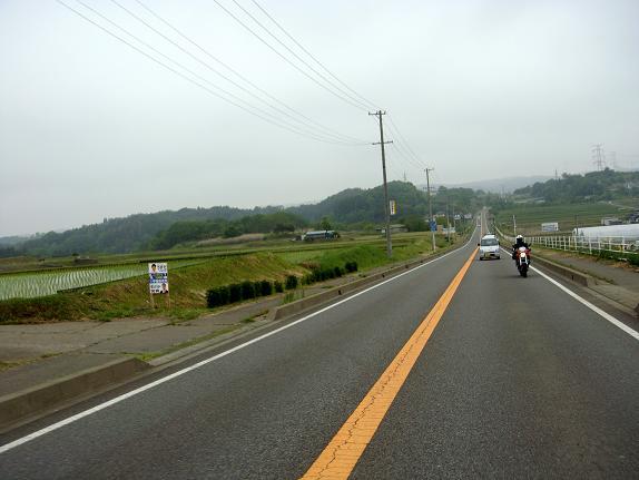 16 地方の町のその郊外って風景です.JPG