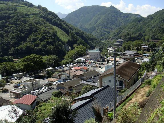 17 椎葉村の全景.JPG