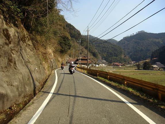 18 大好きな農村の道.JPG