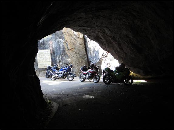 18 秘境のトンネル.JPG
