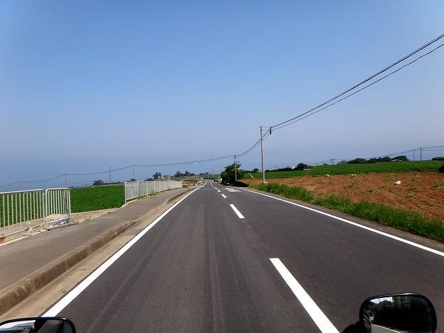 19 グリーンロードからの県道.JPG