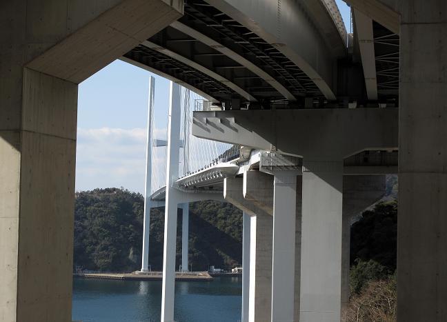19 橋の下.JPG