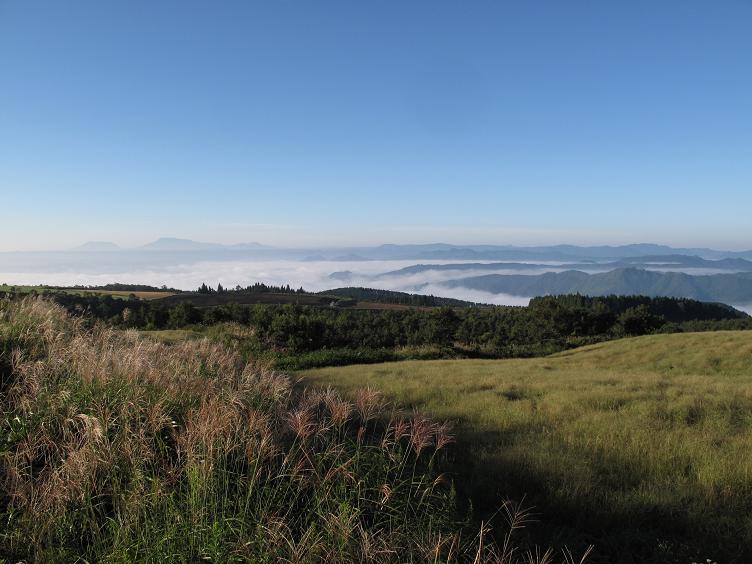 1 亀石峠からみた雲海.JPG