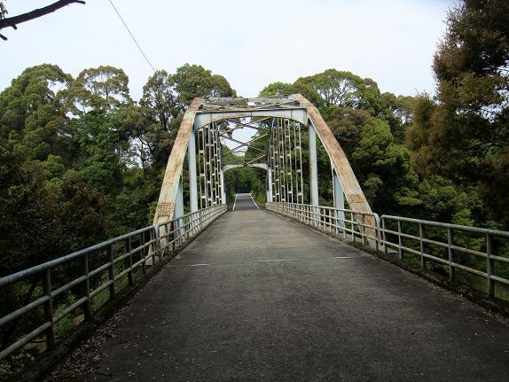 24 入り江の度に橋があります.JPG