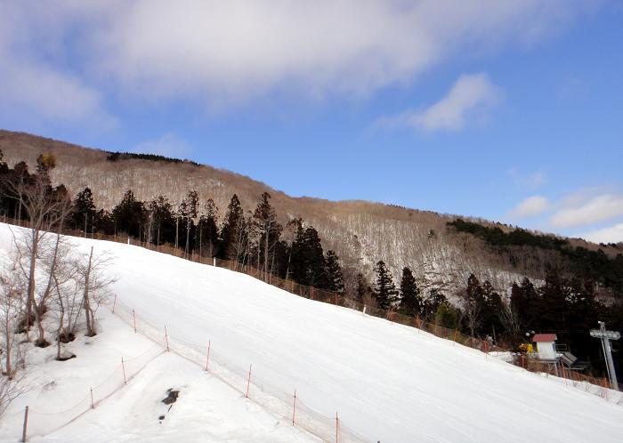 3 まだ雪はたっぷり.JPG
