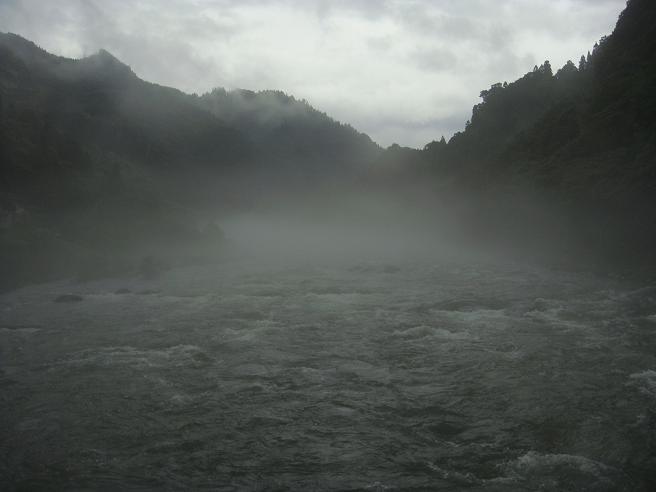 3 川の上流側.JPG