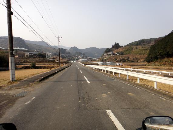 9 裏道の県道へ.JPG