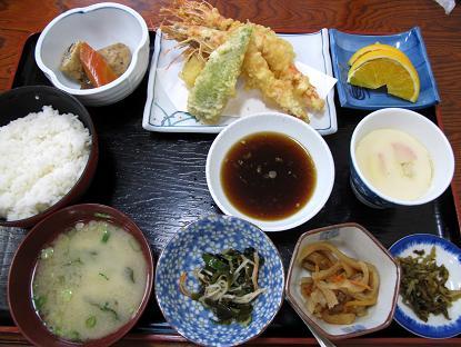 なんてことない天ぷら定食です.JPG