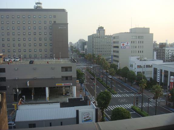 ホテルからみた宮崎の町です.JPG
