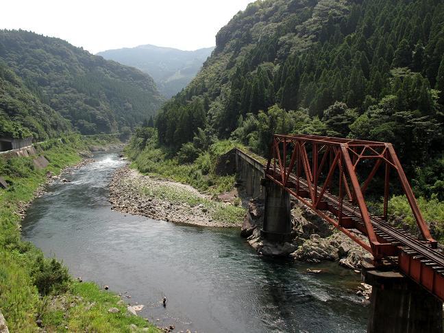五ヶ瀬川にかかる鉄橋.JPG