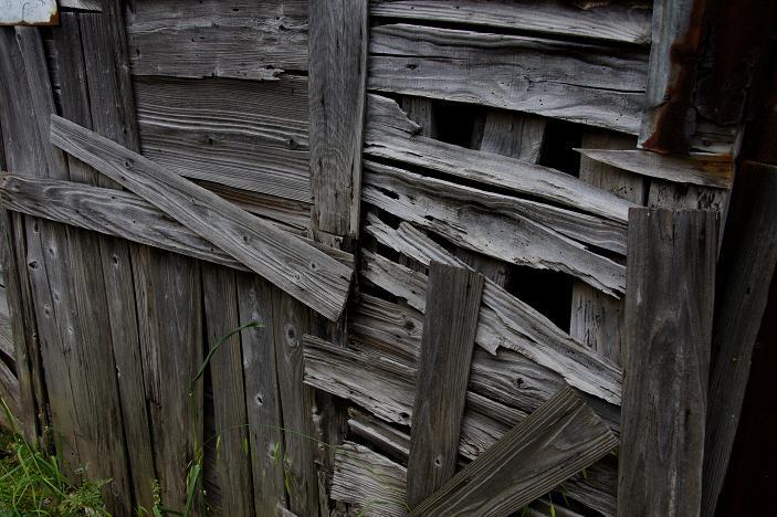 古い木材の色はモノトーンです.JPG