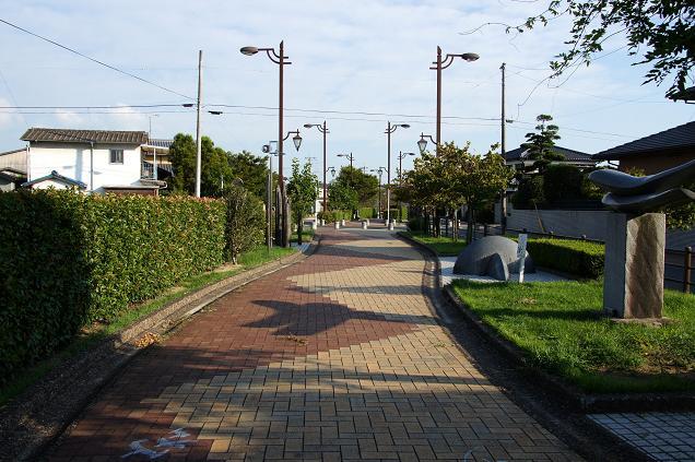 廃線跡の歩道.JPG