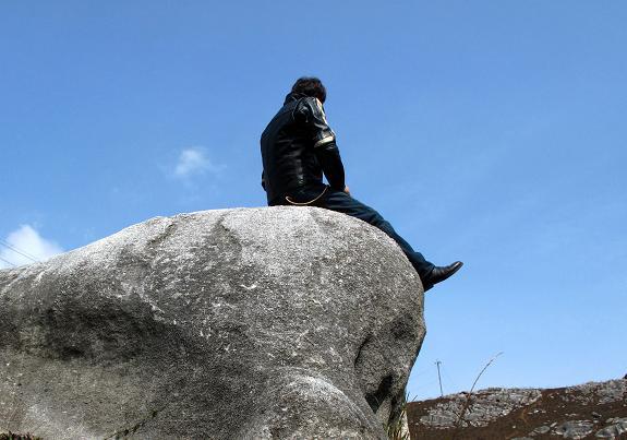 石灰石を見たら座ろう.JPG