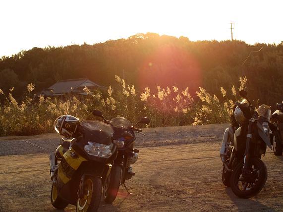 角島で夕日を見る.JPG