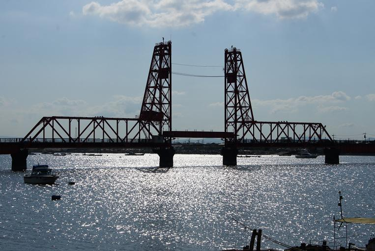 足場が外された鉄橋.JPG