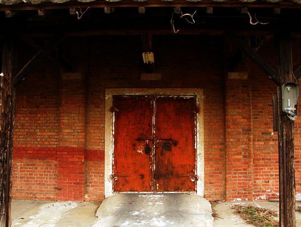鉄の扉がカッコイイ.JPG