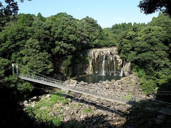 関之尾の滝だよん.JPG