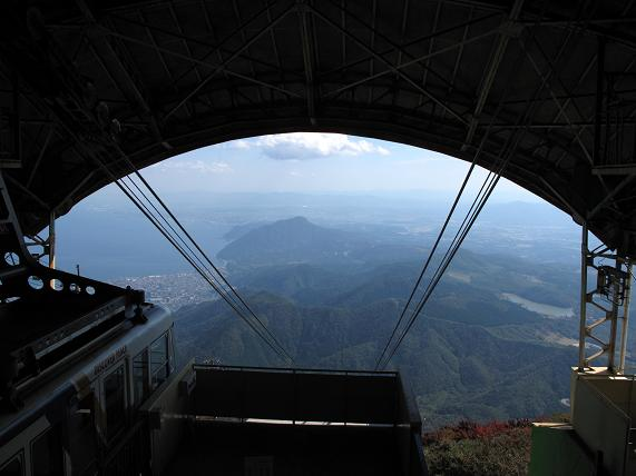 高崎山が真正面に見えます.JPG