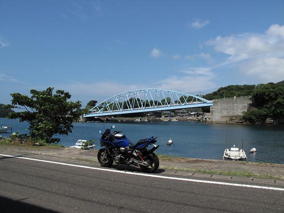 1こさざの斜めの橋.JPG