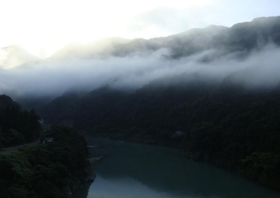 1 高速から球磨川.JPG