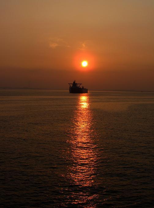 12 只今神戸の沖あたりです.JPG