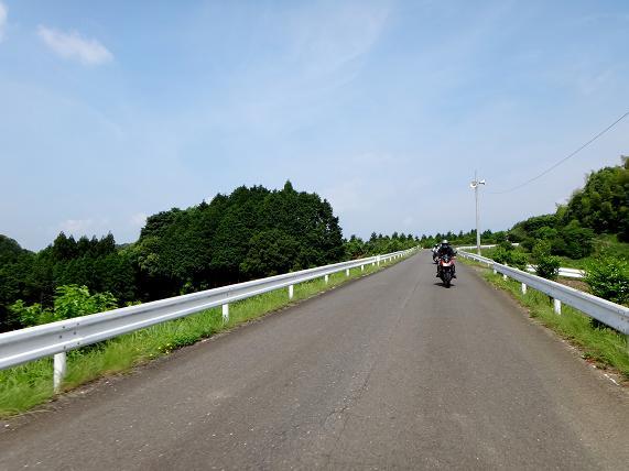 13 短い広域農道.JPG