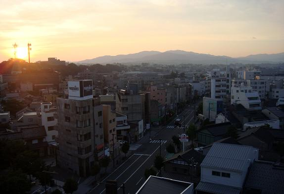 1 金沢の朝.JPG