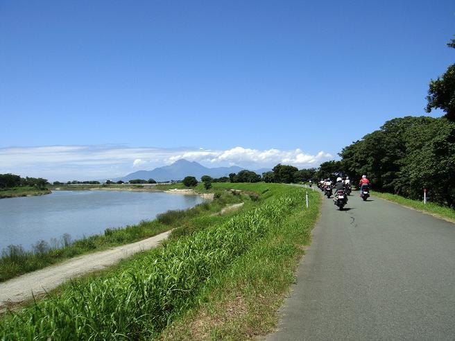 22 菊池川の道.JPG