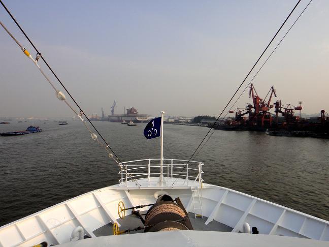 26 上海港を出航.JPG