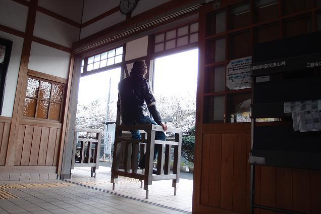 27 列車待ち.JPG