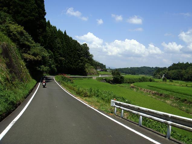 28 林道を抜けると農村.JPG