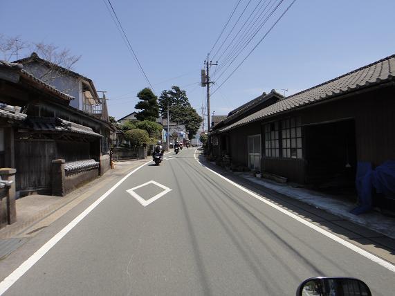 29阿蘇の路地っていい雰囲気.JPG