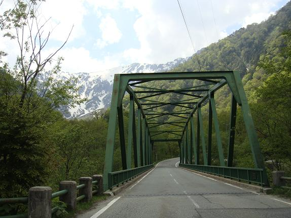 32 山奥の鉄橋.JPG