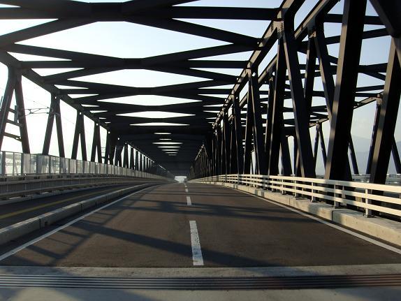 3 でっかい鉄橋.JPG