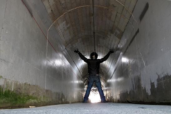 3 謎のトンネルです.JPG