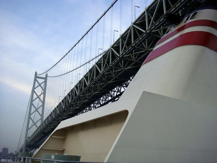 46 明石海峡大橋を通過.JPG