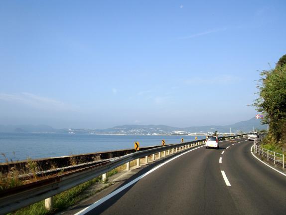 5大村湾を見ながら走る.JPG