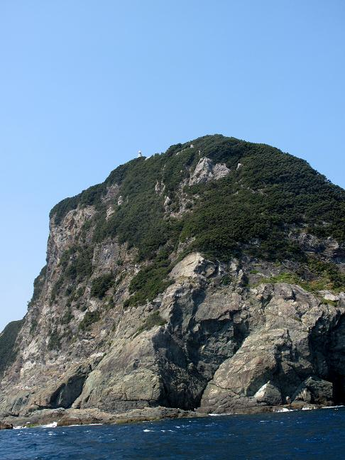 上に鶴御崎灯台が見えます.JPG