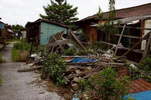 解体前に壊れた建物もあります.JPG