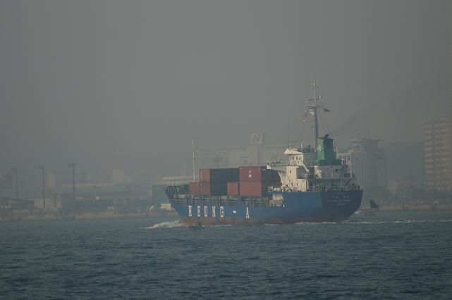 関門海峡です.JPG