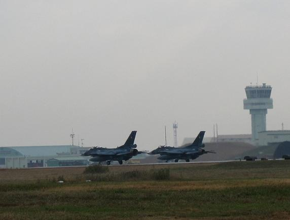 F2離陸.JPG